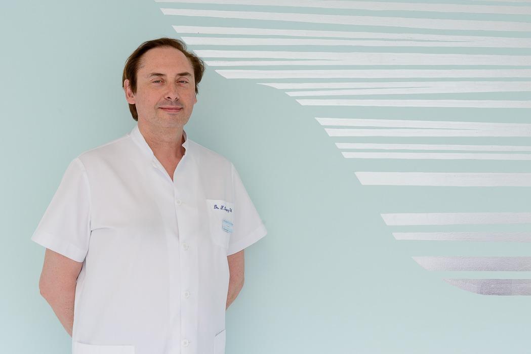 Dr. López Gil